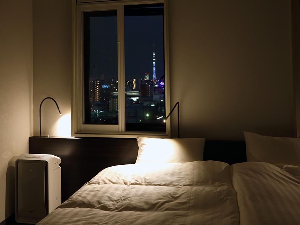 客房采用来自ADAL公司制造的定制床